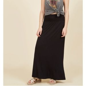 Modcloth Days of Fold Maxi Skirt in Black